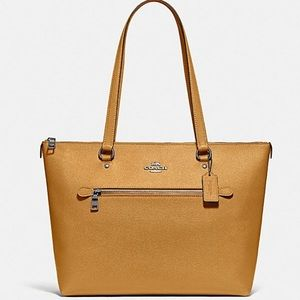 NWT Coach Gallery Tote